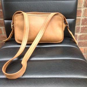Vintage coach east west Carmel legacy shoulder bag